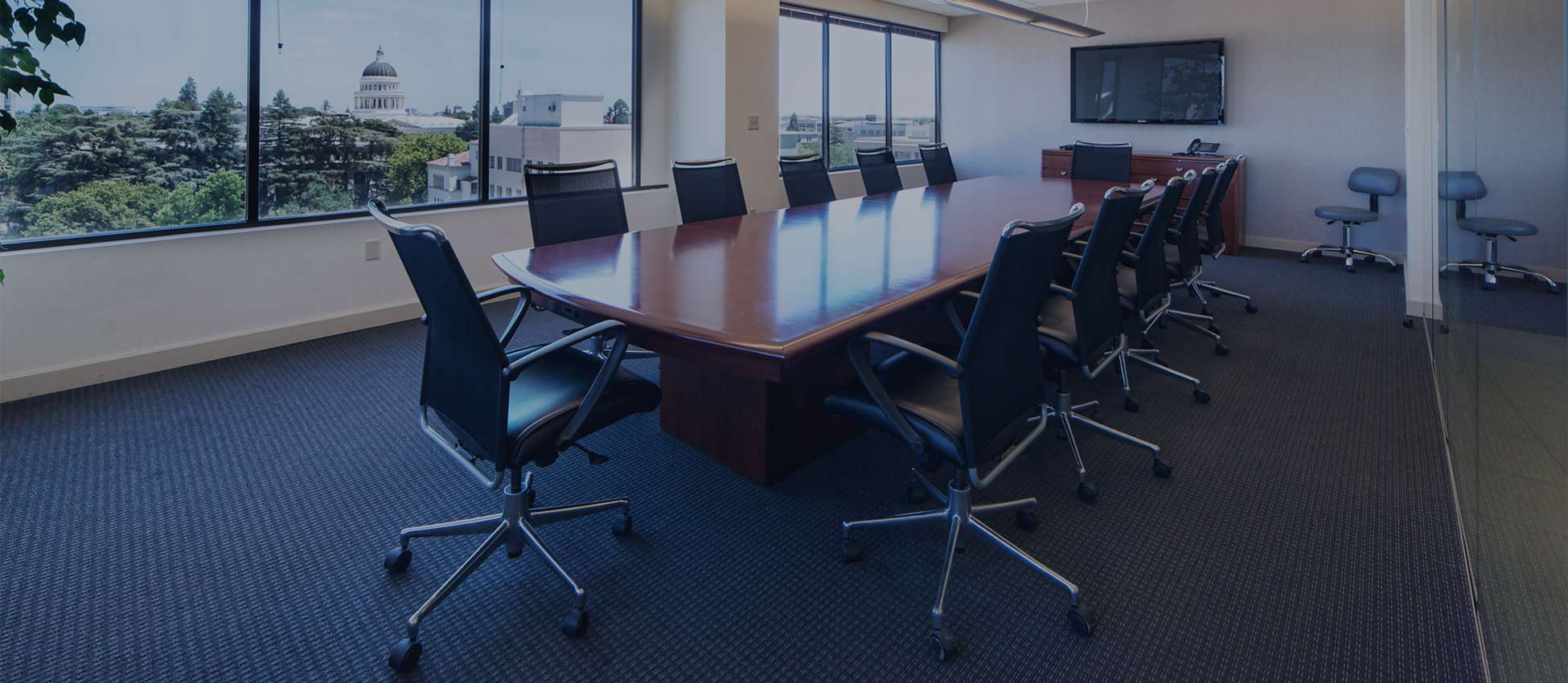 pacific-workplaces-sacramento-capitol-boardroom