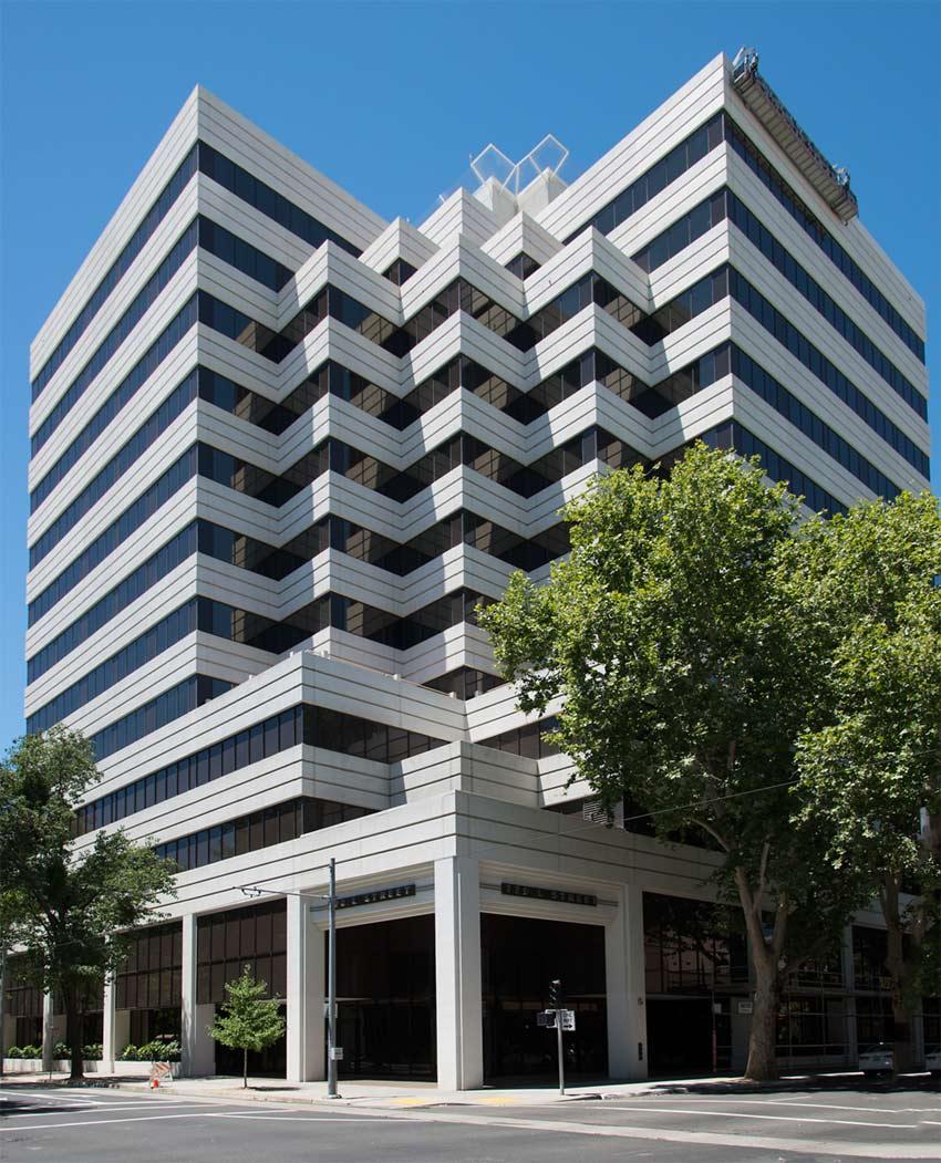 pacific-workplaces-sacramento-capitol-building-exterior