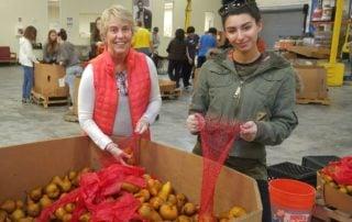 Pacific Workplaces Volunteers at Alameda Food Bank