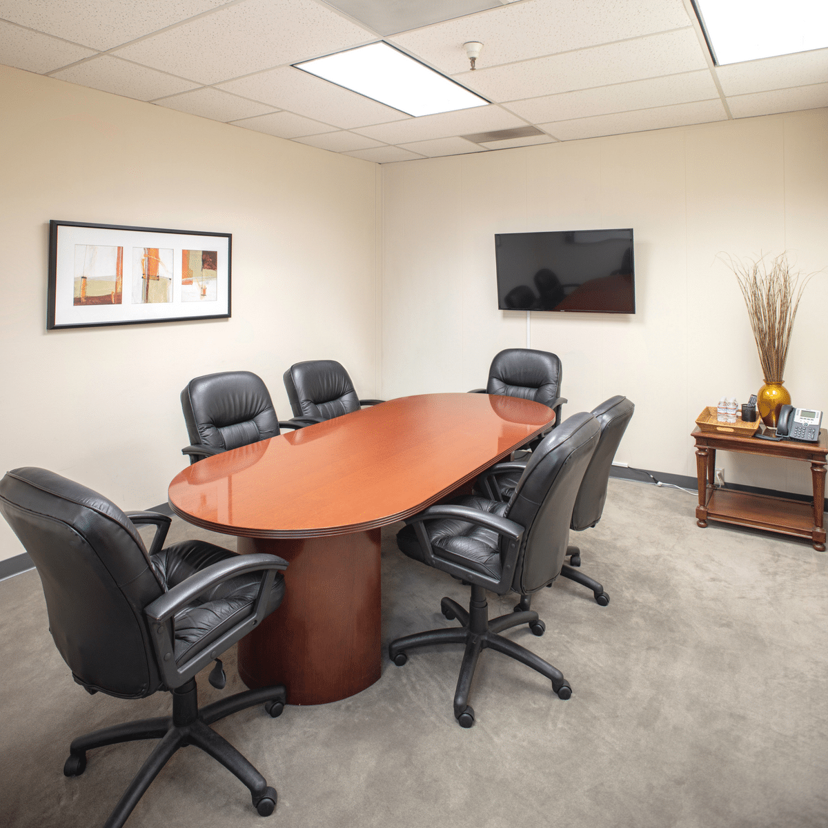 Pacific Workplaces Larkspur Meeting Room for Six